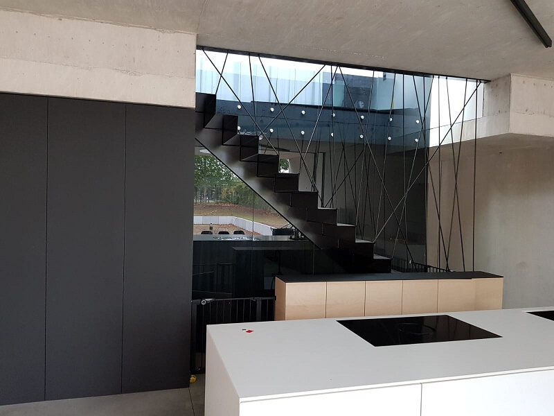 Pglas - glazen balustrade met glasbouten 002