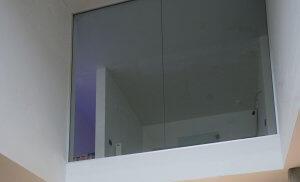 Pglas - Glazen wand in helder glas plafondhoog