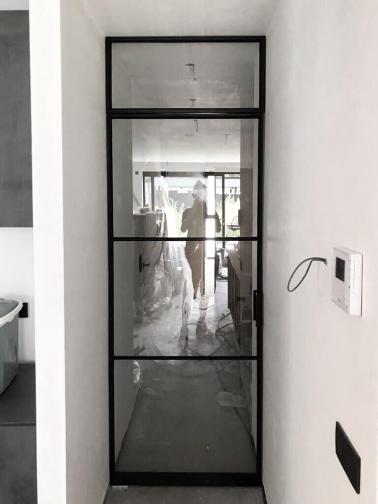 Stalen deur bovenpaneel unica afgeronde greep