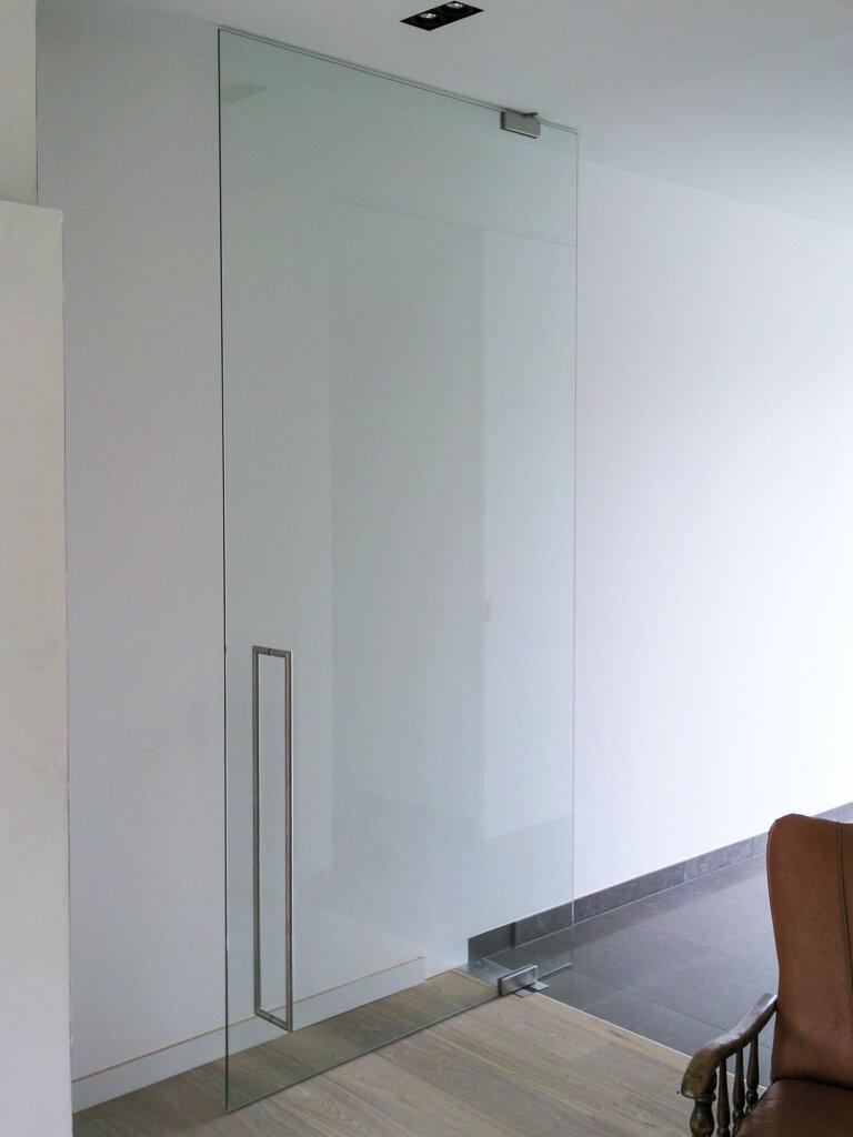 glazen-deur-helder-vloerveer-urg-verlegd-draaipunt