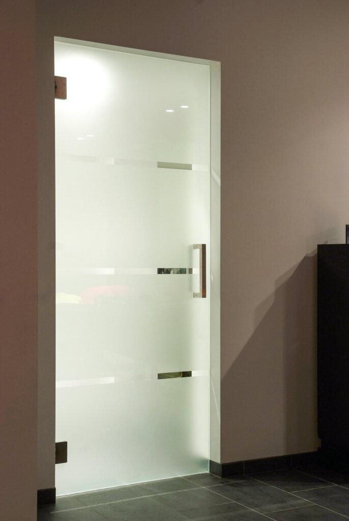 glazen-deur-zandstraling-colcom-cubica