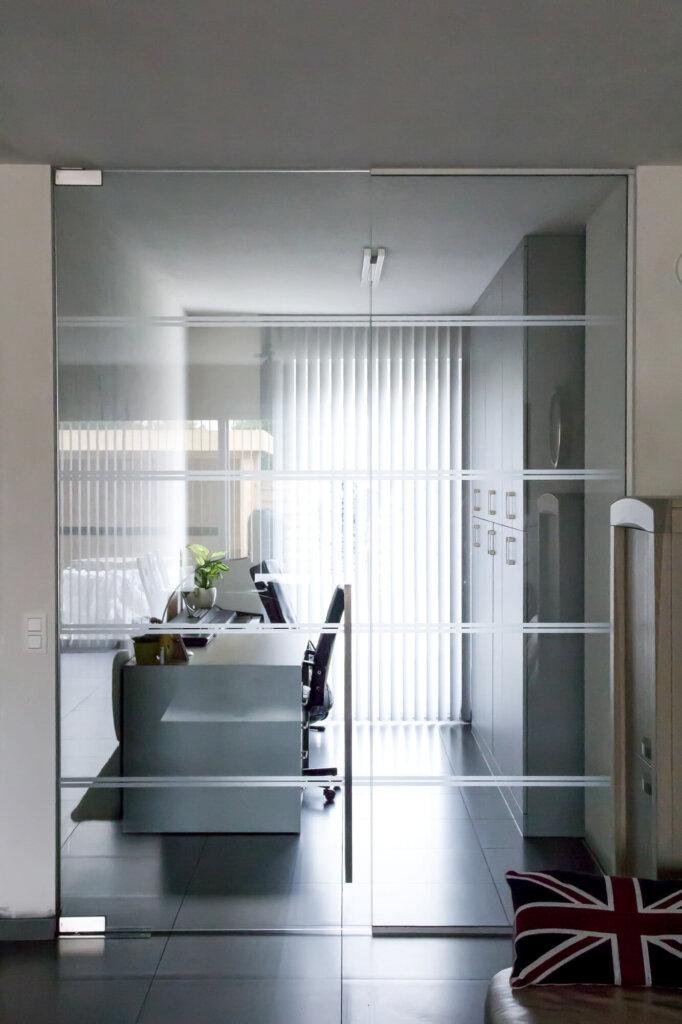 glazen-deur-zijp-zandstraling-vloerveer-carré-2