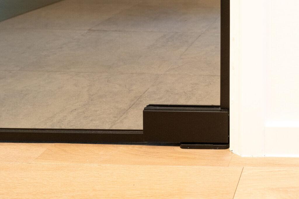 Steel look deur U-greep deurhoog ozone